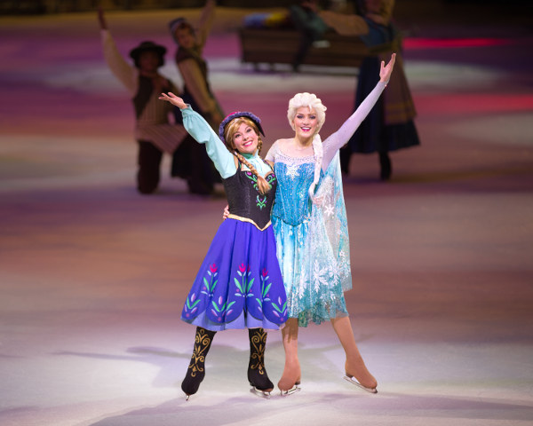 Else and Anna from Frozen Disney on Ice