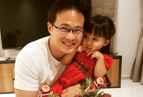 NTUC Desmond Choo and his daughter Sara