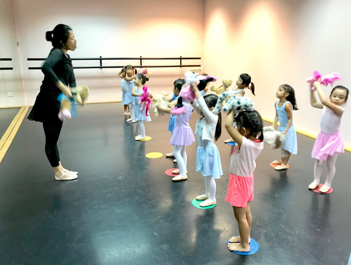 Ballet dance class kids Stepping out studios review