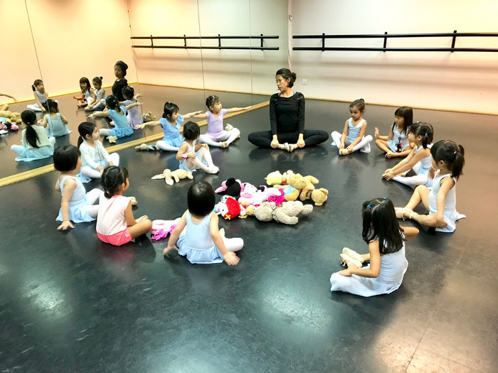 Ballet for preschoolers Singapore Stepping Out Studios