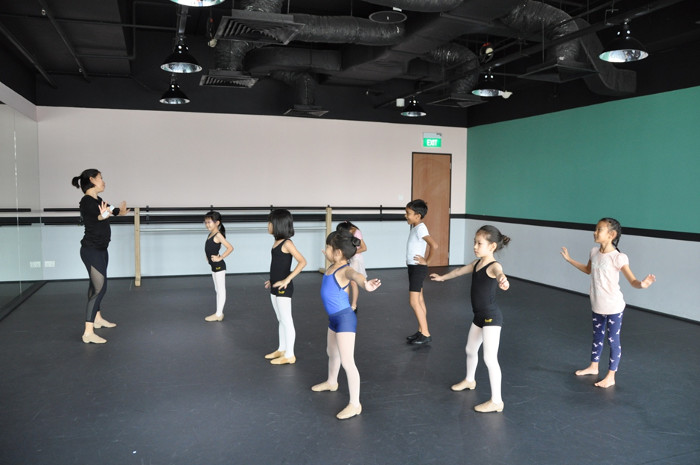 Jazz dance class kids Review Stepping Out Studios