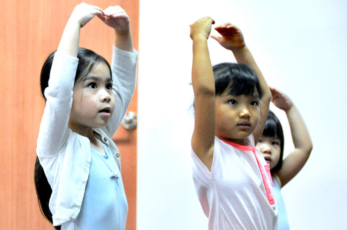 Kids dance classes singapore Stepping out Studios