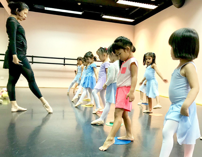 Stepping Out Studios Ballet Class Review