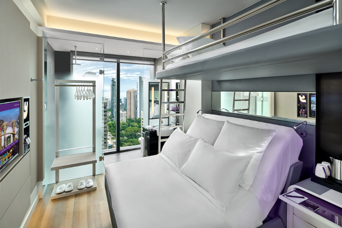 YOTEL Singapore - Queen with Bunk Cabin
