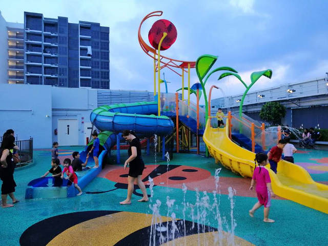 water playground at northpoint