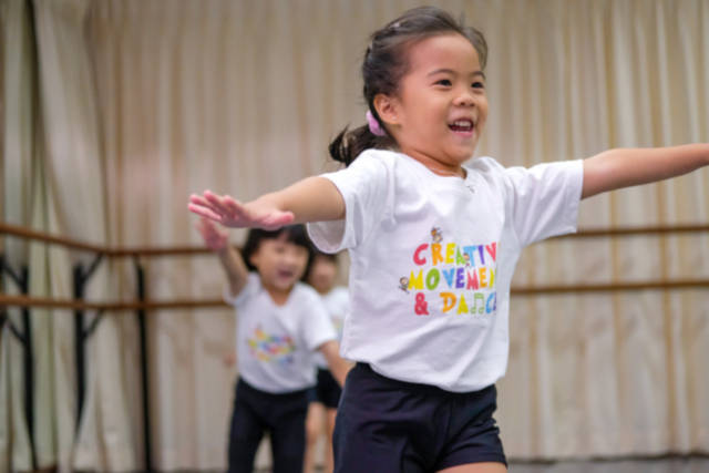 Creative Movement Dance programme toddlers Crestar