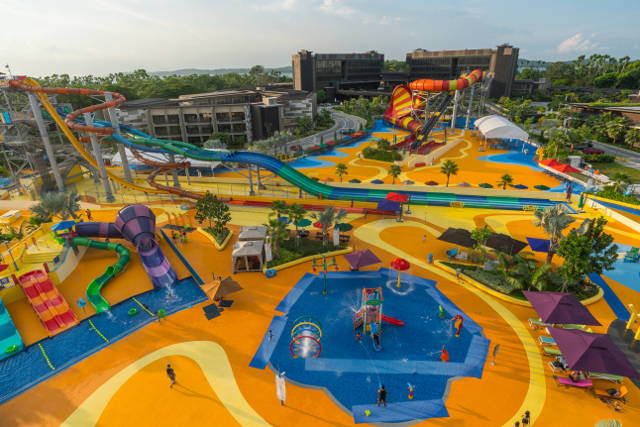 Singapore largest waterpark Wild Wild Wet Downtown East