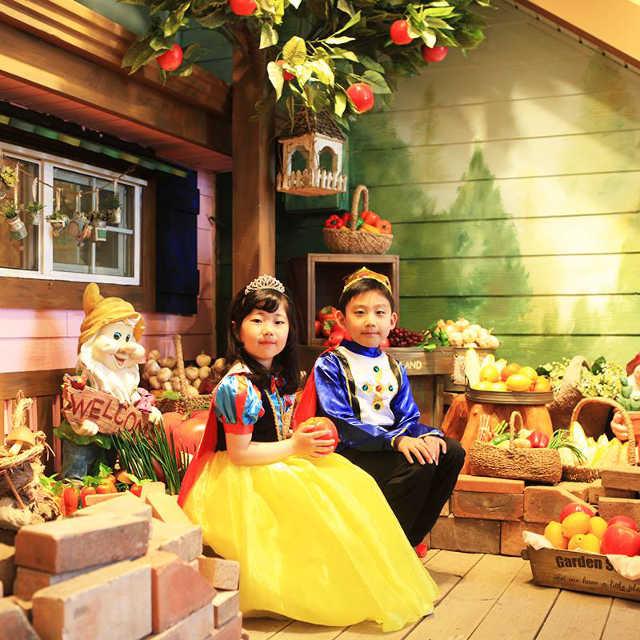 dress up as snow white at herbisland korea