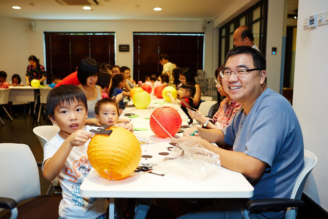 Wan Qing Mid Autumn Festival Paper Lantern Colouring Craft