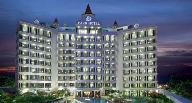 park hotel clarke quay facade