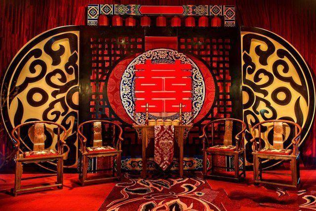 Celebrating Chinese wedding customs