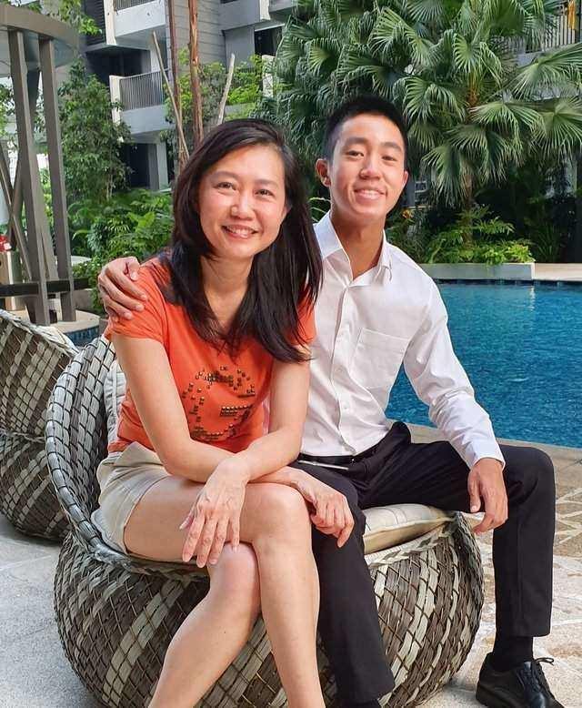 Su Lin and John