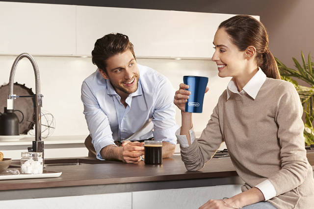 enjoy your cup of coffee with delonghi sttoke cup