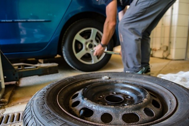 Changing Car Tyres in Singapore