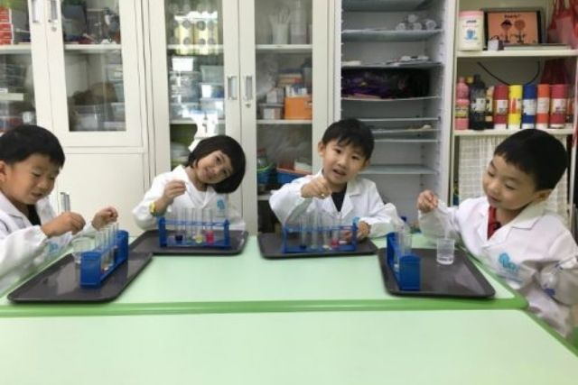 Terraminds Science and Robotics Workshop for kids
