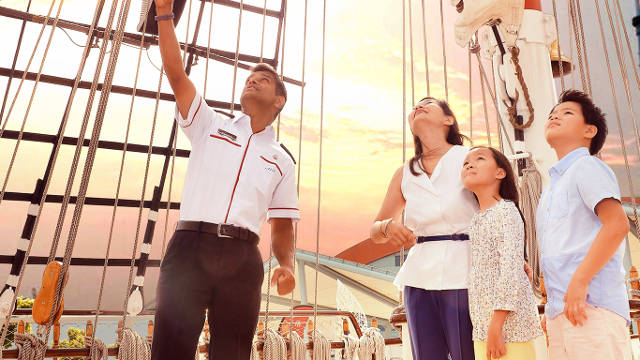 guided tour on board royal albatross