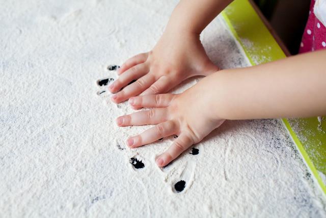 Indoor activities for kids sensory play