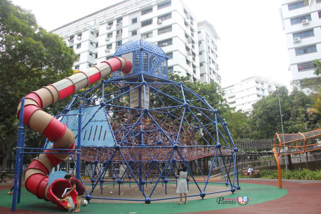 Double Dome and Skywalk Diamond Playground at Woodlands Circle Green Park