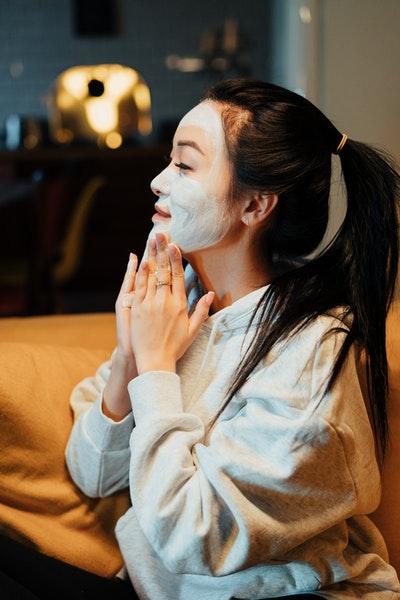 Maskne treatment