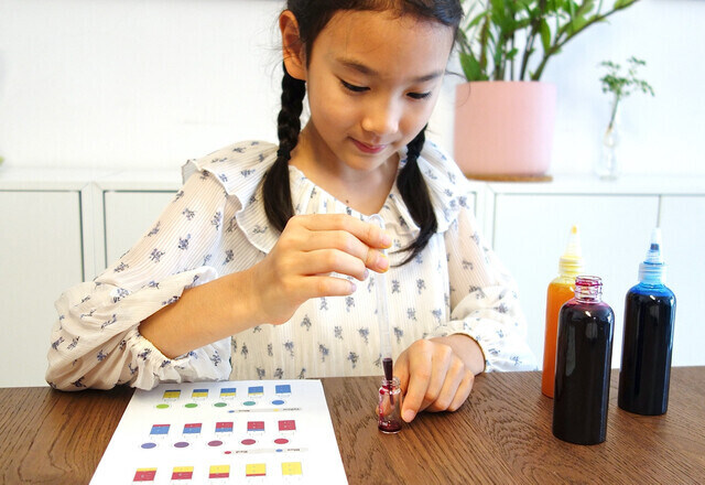 Build Your Child's Creative Confidence With Tinkerer Box!