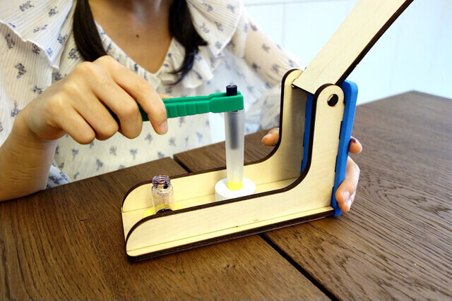 Tinkerer Box Science and Engineering Projects for Kids