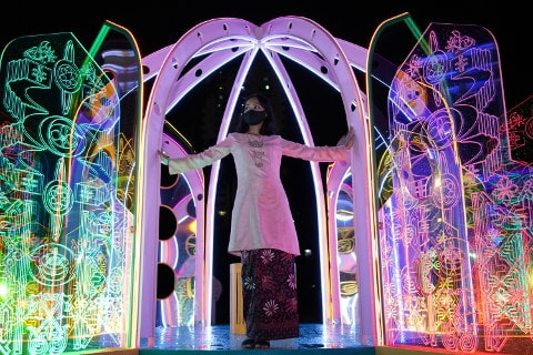 Malay Heritage Centre LapLip Light Installation